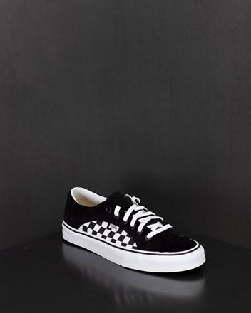 de84e3e616447 Sale Sneakers . YME Universe